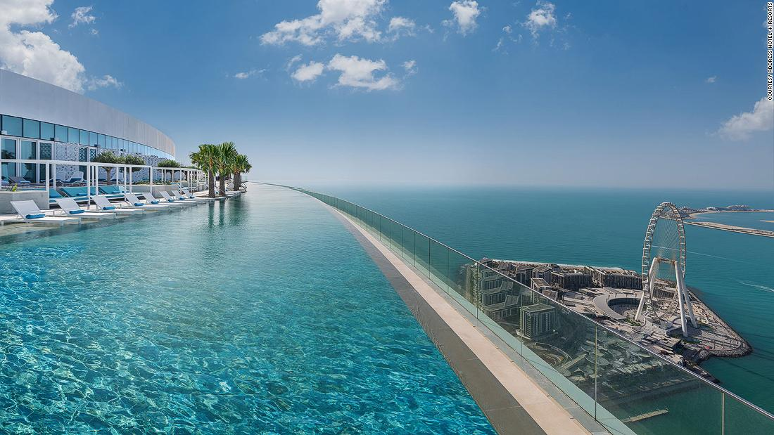 Address Beach Resort: la piscina infinita más alta del mundo se ha abierto en Dubai